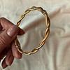 gouden gedraaide bangle armband