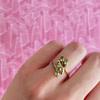 groene saffier ring vintage goud blaadjes natuurlijk