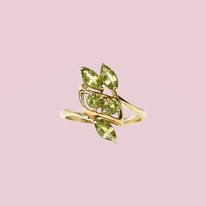 vintage gouden ring met groene saffier korund