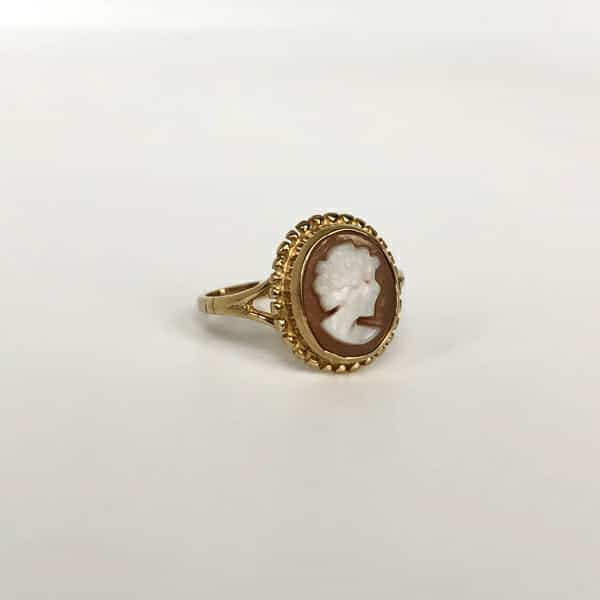 vintage camee ring vrouw