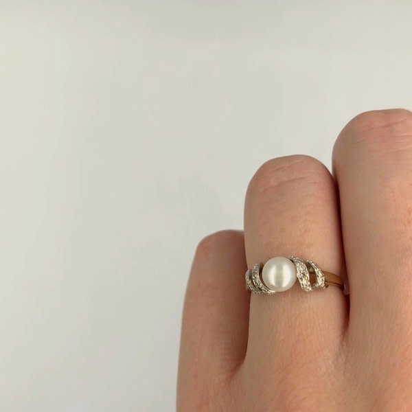 parelring met gedraaide ringband