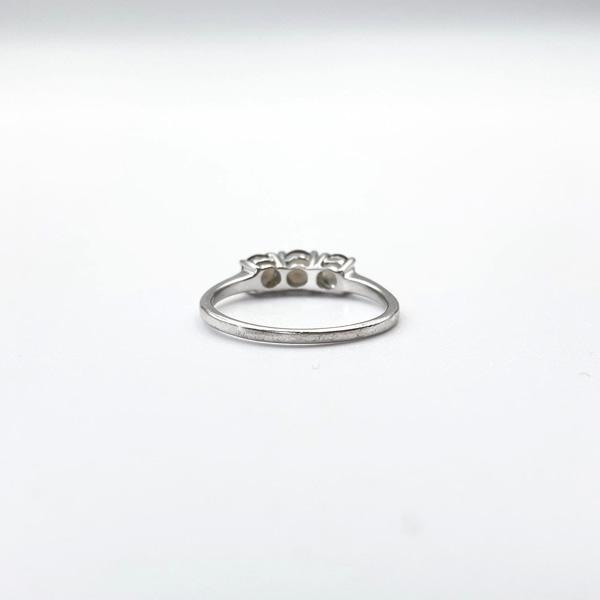 witgouden ring negen karaat rookkwarts