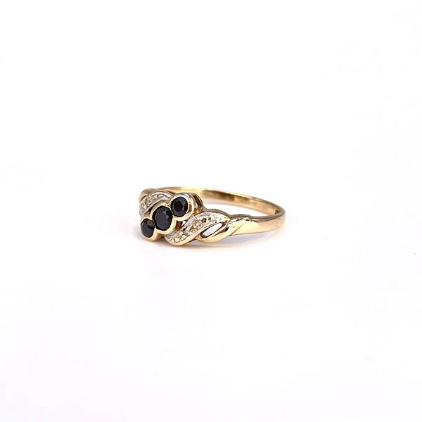 vintage gouden ring drie saffieren en diamant baguette