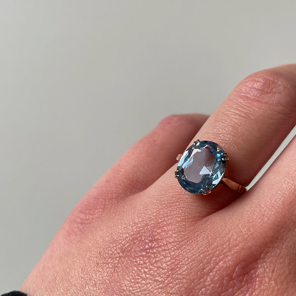 gouden ring met blauwe spinel vintage goud 9k