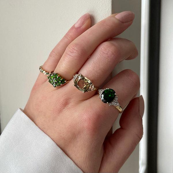 gouden ring met groene edelsteen
