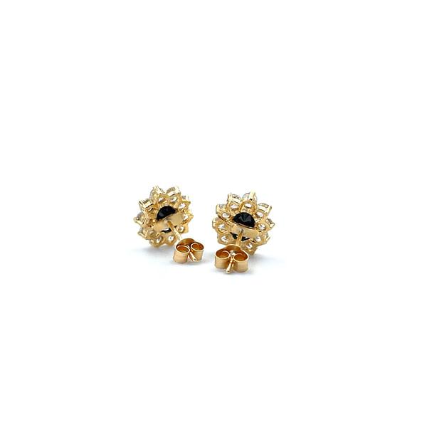gouden oorbellen met saffier oorstekers entourage