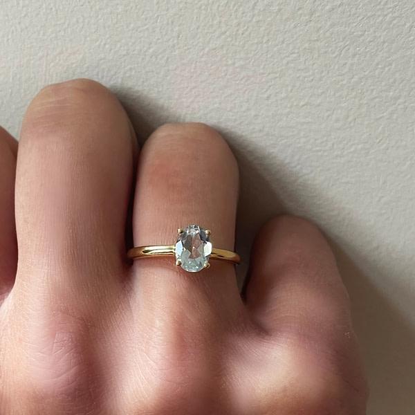 vintage ring met aquamarijn steen