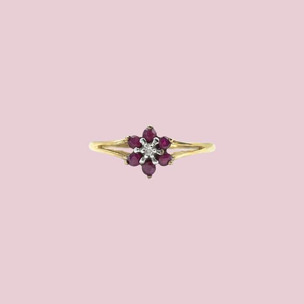 gouden ring met robijn en diamant
