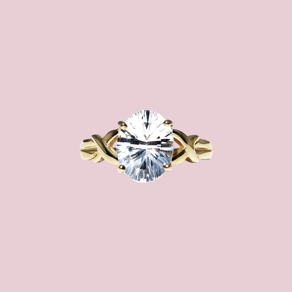 vintage gouden ring met doorzichtige edelsteen kwarts
