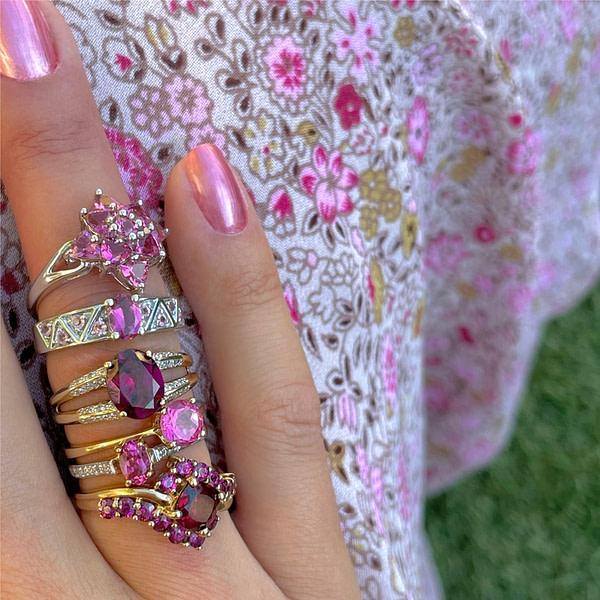 gouden ringen met roze steen topaas en framboos granaat