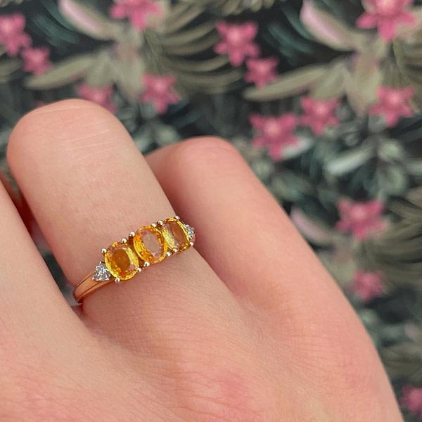 gouden ring gele saffier trilogie diamant