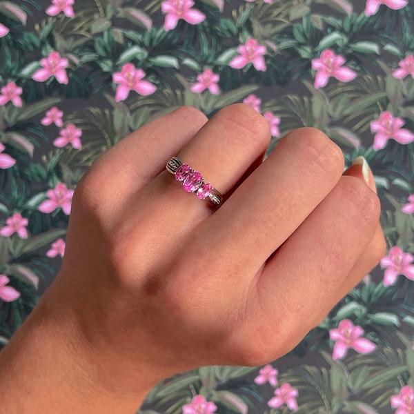 trilogie ring met roze saffier en diamant vintage