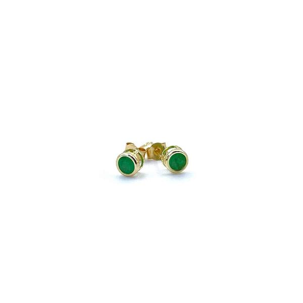 smaragd oorbellen gouden oorknopjes oorstekers
